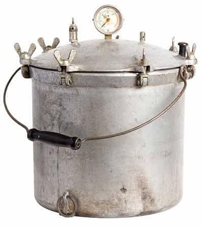 Early pressure cooker: instant pot vs. pressure cooker