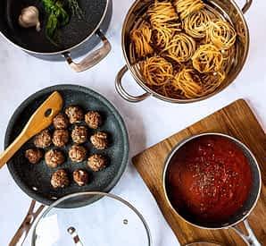 GraniteRock pans with food