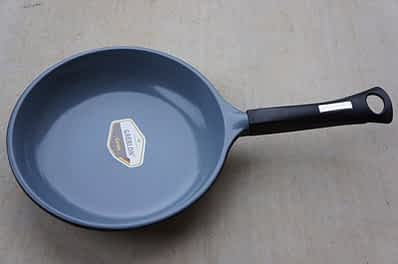 Healthy Legend ceramic nonstick skillet: Nonstick Cookware Brands: PTFE or Ceramic? A Comprehensive Guide